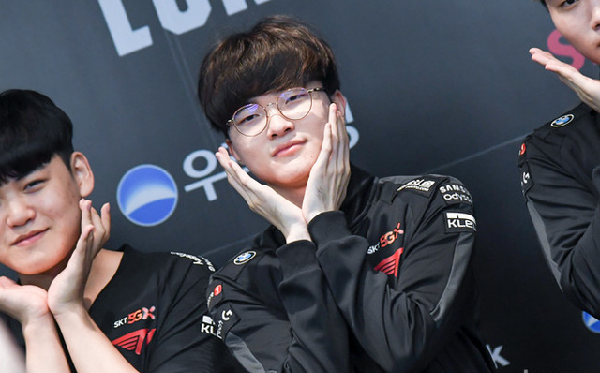 Faker and his teammates at T1 at the post-match interview