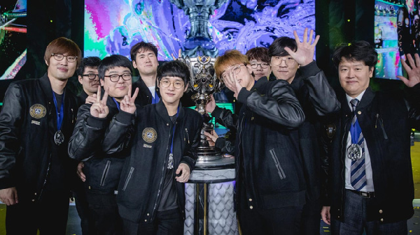 The most successful players in League of Legends despite changing positions